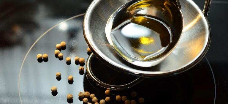 Oleje spożywcze, które wzbogacą Twój krem do twarzy